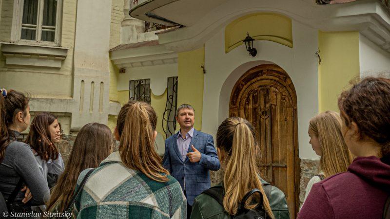 В Олександрії презентували «Мандрівку вулицею Башт до Олександрійського театру»